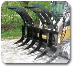 SitePro's skid steer brush grapple offers a lower profile design than standard brush grapples making access to the operator's seat easy.